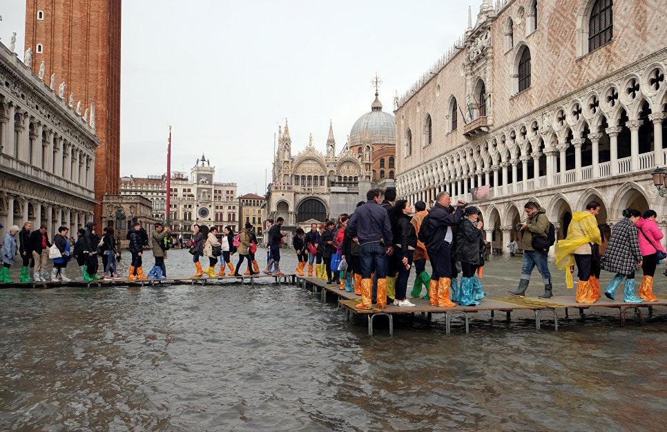 Photo of იტალიაში სტიქიის გამო დაღუპულთა რიცხვმა 11-ს მიაღწია