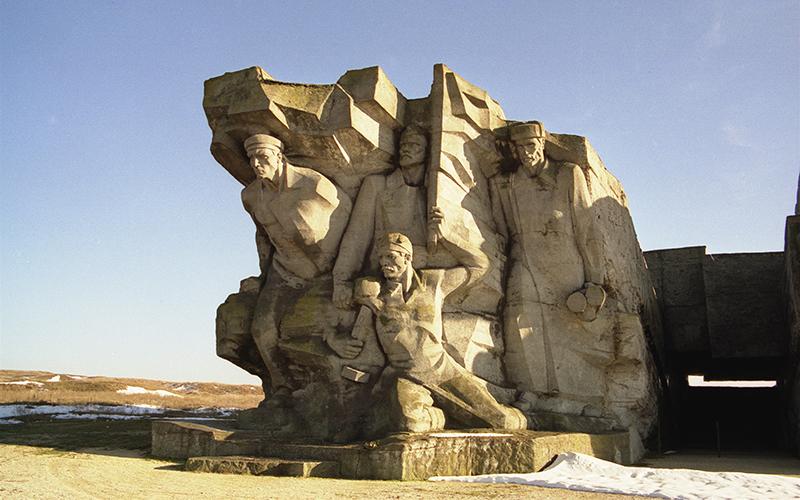 Photo of ქერჩში მეორე მსოფლიო ომის დროინდელი ქართული საძმო საფლავი აღმოაჩინეს – მეომრების სია