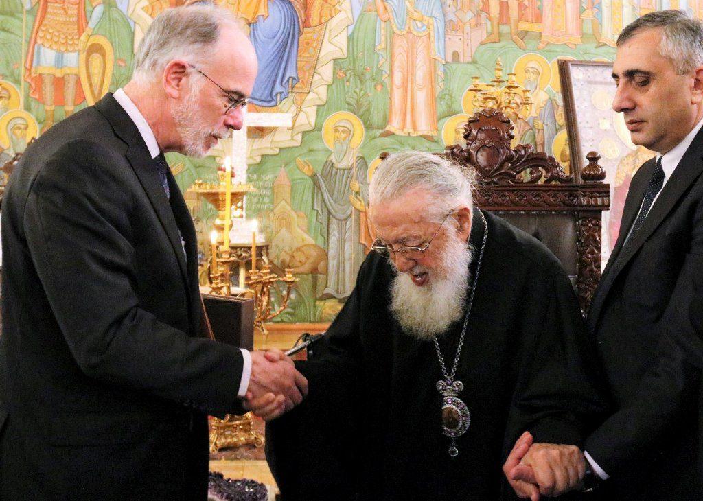 Photo of საქართველოში ამერიკის ახალი ელჩი კათოლიკოს-პატრიარქ ილია მეორეს შეხვდა
