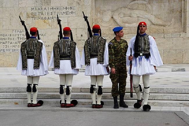 Photo of საბერძნეთის საპრეზიდენტო გვარდიის ჯარისკაცი ტრაგიკულად დაიღუპა