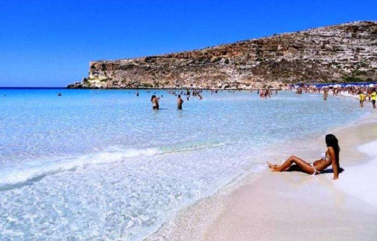 """Photo of პლაჟების მსოფლიო ტოპ-ათეული – """"ბოცვრების პლაჟი"""" იტალიურ ლამპედუზაზე საუკეთესოთა შორისაა"""