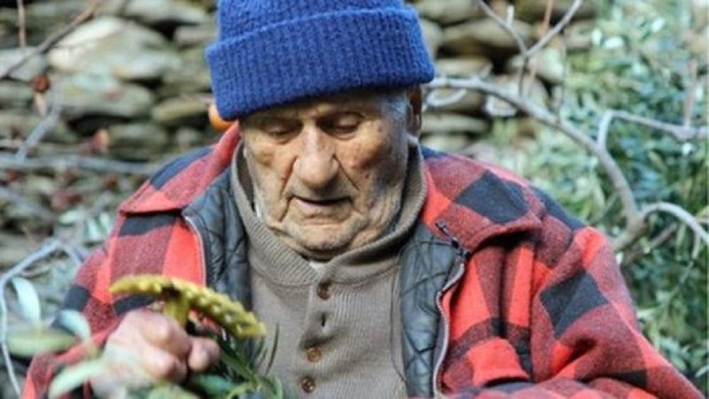 Photo of ფილტვის კიბოს დიაგნოზით 9 თვის ნაცვლად 37 წელი იცოცხლა – 102 წლის ბერძენის საოცარი ისტორია