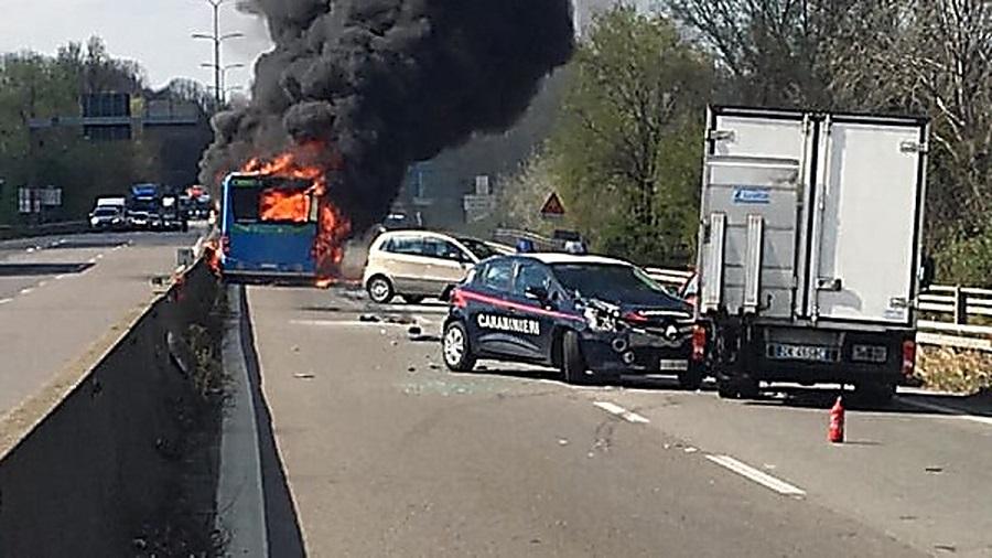 Photo of იტალიაში ავტობუსის დაწვის ინციდენტის შემდეგ მძღოლების კონტროლი გამკაცრდება