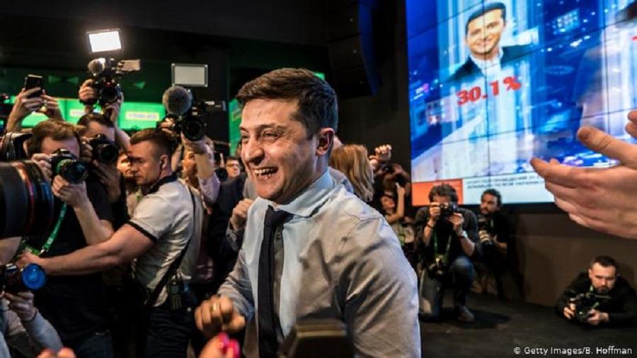 Photo of უკრაინის საპრეზიდენტო არჩევნების პირველ ტურში კომიკოსმა გაიმარჯვა