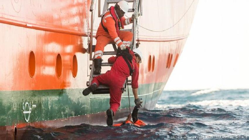 Photo of ევროკავშირმა ბოლო 4 წლის განმავლობაში ხმელთაშუა ზღვაში 730 ათასამდე მიგრანტი გადაარჩინა
