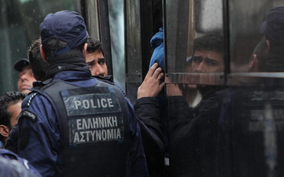 Photo of საქართველოს მოქალაქე საბერძნეთში 12 არალეგალი მიგრანტის გადაყვანის დროს დააკავეს
