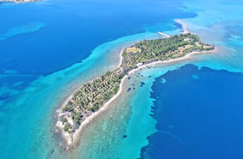 """Photo of ჯადოსნური კუნძული ათენთან ახლოს, რომელზეც """"ბითლზი"""" ოცნებობდა (ვიდეო)"""
