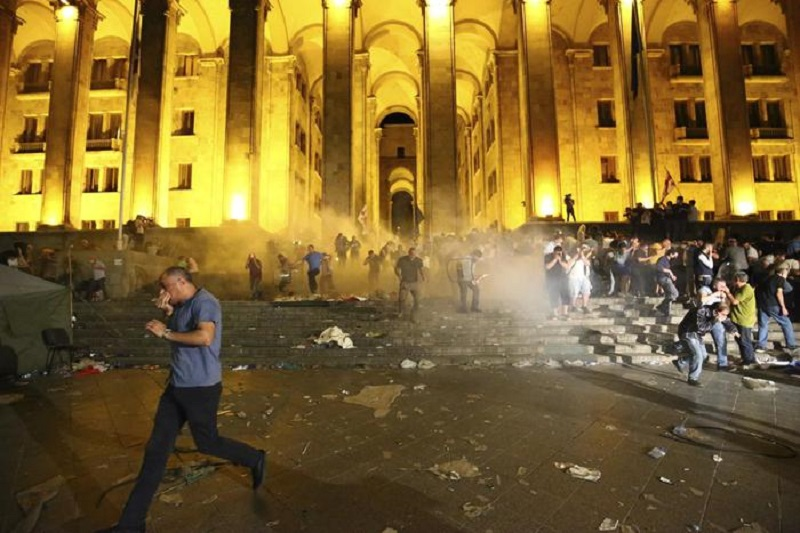 Photo of რას წერს იტალიური მედია თბილისში განვითარებულ მოვლენებზე?