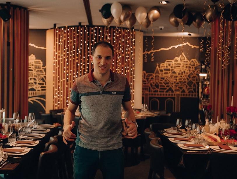 Photo of სტუდენტი ბიჭის მიერ გერმანიაში თითო-ოროლა ბოთლი ღვინის გაყიდვით დაწყებული დიდი ქართული საქმე