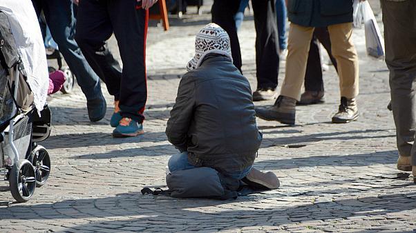 Photo of შვედეთში მათხოვრებს ლიცენზიის აღება მოუწევთ