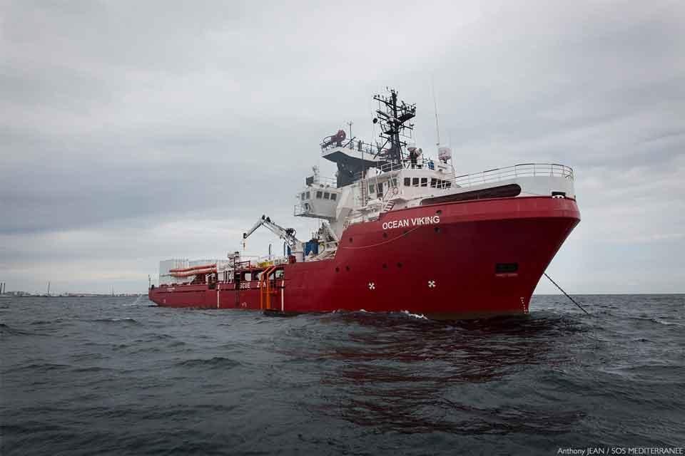 Photo of ახალმა მთავრობამ იტალიის პორტში მიგრანტებით სავსე გემი შეუშვა