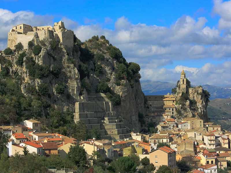 Photo of 25 ათასი ევრო ცხოვრების სანაცვლოდ – იტალიის ულამაზესი რეგიონის ახალი შეთავაზება