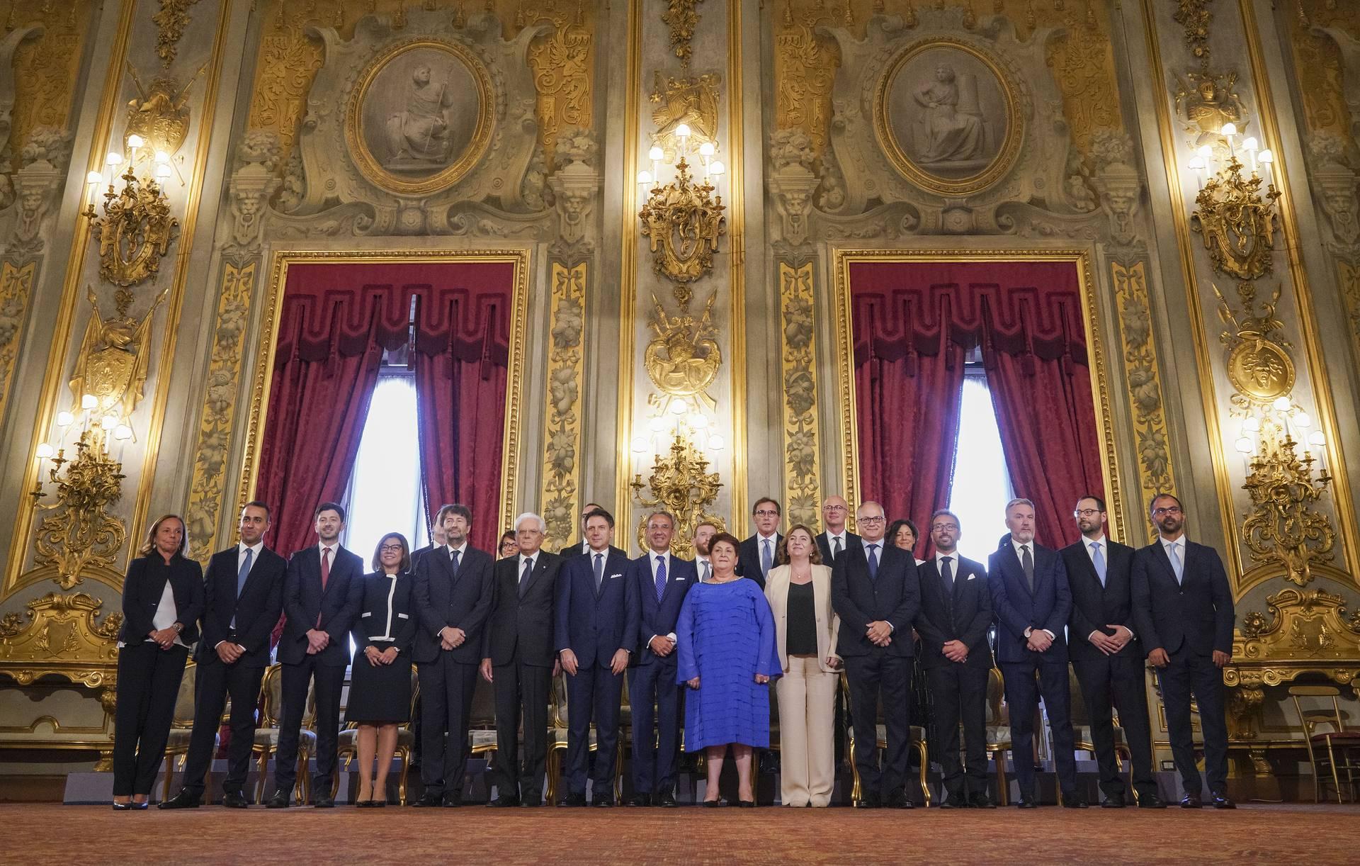 Photo of იტალიის ახალმა მთავრობამ ფიცი დადო – კონტემ რესპუბლიკას ერთგულებას შეჰფიცა
