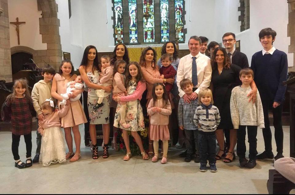Photo of ბრიტანული ოჯახი 22-ე შვილს ელოდება (ფოტო)