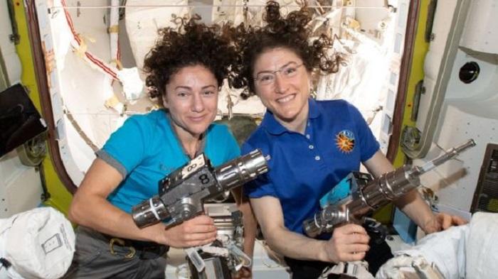 Photo of პირველად ისტორიაში: მხოლოდ ქალებისგან შემდგარი ეკიპაჟი ღია კოსმოსში გავიდა (ვიდეო)