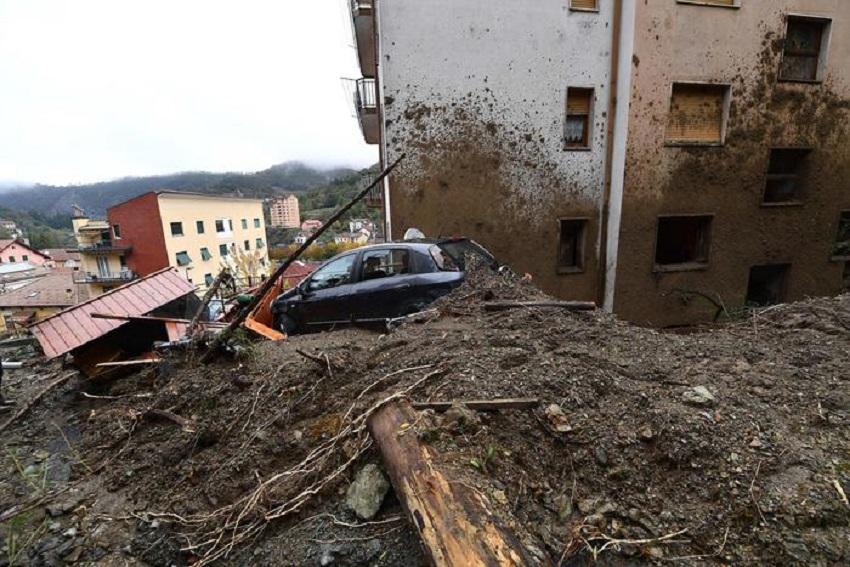 Photo of იტალიაში წყალდიდობის შედეგად ორი ადამიანი დაიღუპა, ამინდი უარესდება