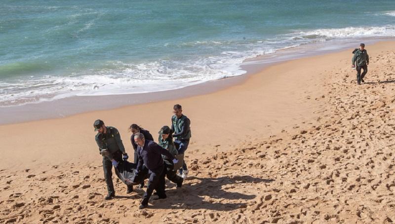 Photo of დედას შვილი მკერდში ჰყავდა ჩაკრული – ლამპედუზასთან ახლოს, ზღვაში კიდევ 12 მიგრანტის ცხედარი იპოვეს