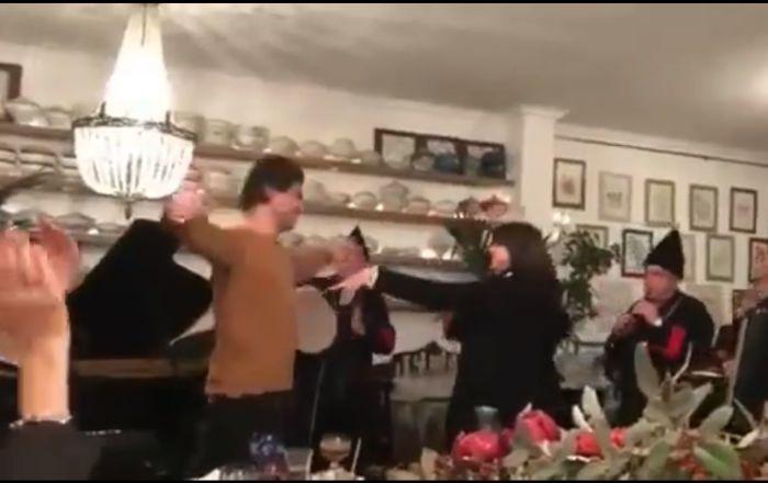 """Photo of ნიკოლოზ ცისკარიძისა და ნინო ანანიაშვილის შეუდარებელი ცეკვა """"ქართული"""", დუდუკების თანხლებით (ვიდეო)"""