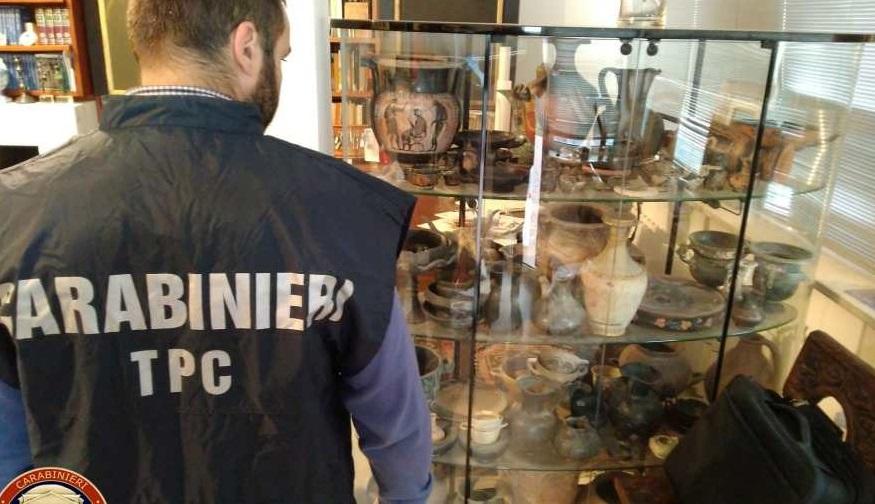 "Photo of იტალიაში ""შავი არქეოლოგების"" დანაშაულებრივი ჯგუფი გაშიფრეს, ამოღებულია 10 000 არტეფაქტი"
