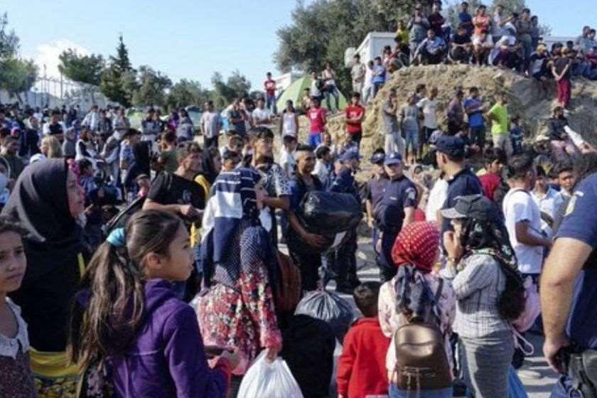 Photo of საბერძნეთში ბანაკებიდან მიგრანტების ქალაქებში გადასახლება გააპროტესტეს