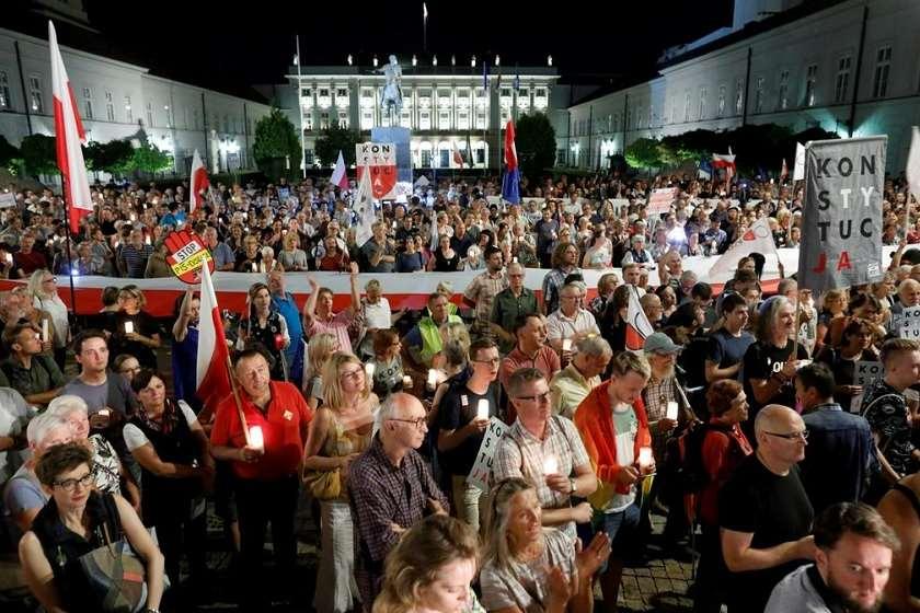 Photo of სასამართლო რეფორმის გამო პოლონეთს შესაძლოა ევროკავშირის დატოვება მოუწიოს