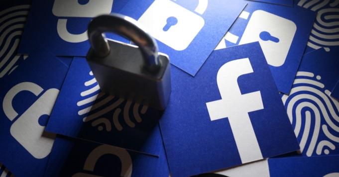 """Photo of FACEBOOK-მა ტრამპის მხარდამჭერი გვერდი, რომელსაც 55 მილიონი გამომწერი ჰყავდა, """"დააბოქლომა"""""""
