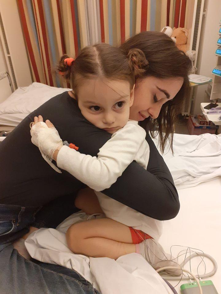 """Photo of """"ანიტამ დღეს ყველას გვიჩვენა მაგალითი, თუ როგორ უნდა ვიბრძოლოთ სიცოცხლისთვის"""" – ანიტას დედა"""