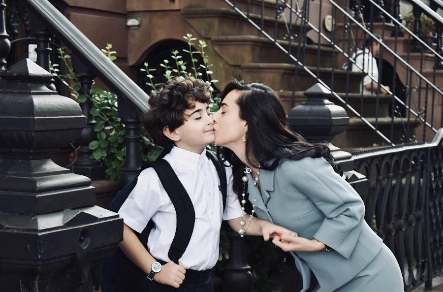 Photo of ქართველი ბიჭუნა ნიუ-იორკში, რომელიც შავ ხვრელებზე ესსეს წერს და გალაქტიკაში დაკარგული მეგობრის მოსაძებნად რობოტს აშენებს
