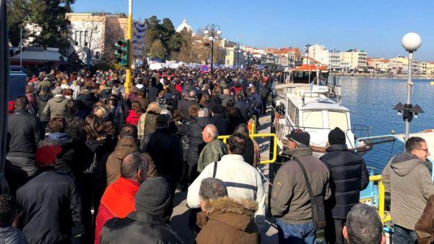 Photo of საბერძნეთში მოქალაქეები მიგრანტთა ბანაკების გამო გაიფიცნენ