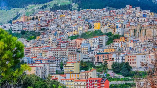 Photo of იტალიაში სახლების ერთ დოლარად გაყიდვა ათობით ქალაქმა დაიწყო