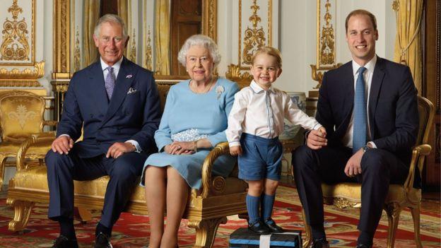 Photo of ბრიტანეთის სამეფო ოჯახის ოთხი თაობა ერთ ფოტოზე