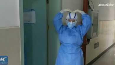Photo of როგორ ებრძვიან ექიმები ყოველდღიურად კორონავირუსს უჰანის საავადმყოფოში (ვიდეო)
