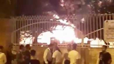 Photo of ირანში საავადმყოფოს, სადაც კორონავირუსით ინფიცირებულები იყვნენ, მოსახლეობამ ცეცხლი წაუკიდა (ვიდეო)