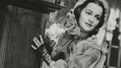 """Photo of ღვთაებრივი მელანი ფილმიდან """"ქარწაღებულნი"""" – ოლივია დე ჰევილენდი გარდაიცვალა"""