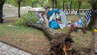 Photo of იტალიის ჩრდილოეთში ძლიერი უამინდობა გრძელდება, ხის დაცემის შედეგად 3 და 14 წლის 2 გოგონა დაიღუპა