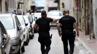 Photo of ათენი: პოლიციამ არასრულწლოვანთა ბანდა დააკავა, რომელიც ქალაქის ცენტრში მოქმედებდა