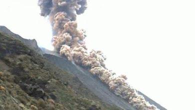 Photo of იტალიაში ვულკანი სტრომბოლი გააქტიურდა – მძლავრი აფეთქება კრატერში და ფერფლის წვიმა (ვიდეო)