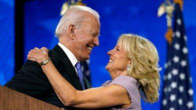 """Photo of როგორ აუხსნა ცოლს სიყვარული ინაუგურაციაზე 78 წლის ჯო ბაიდენმა და ვინ """"მოპარა"""" მას შოუ (ვიდეო)"""