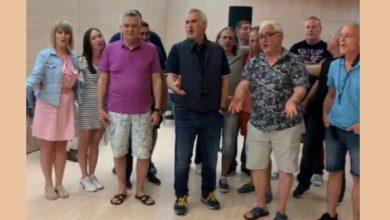 Photo of ვალერი მელაძე ესპანელებთან ერთად ქართულ სიმღერას ასრულებს (ვიდეო)