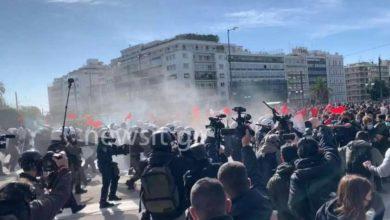 Photo of ათენში პოლიციამ სტუდენტებისა და ლექტორების აქცია ცრემლმდენი გაზის გამოყენებით დაშალა