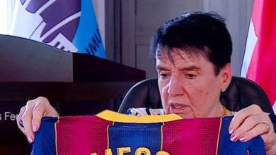 Photo of ლეგენდის საჩუქარი ლეგენდას – ლიონელ მესიმ ნონა გაფრინდაშვილს მაისური გამოუგზავნა