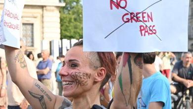 """Photo of """"მწვანე საშვის"""" შემოღების შემდეგ იტალიაში ვაქცინაციაზე რეგისტრაციის მაჩვენებელი მკვეთრად გაიზარდა"""