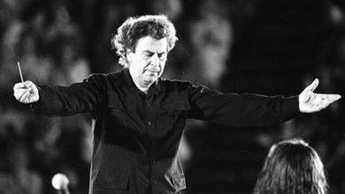 """Photo of გარდაიცვალა """"სირტაკის"""" მუსიკის ავტორი, ბერძენი კომპოზიტორი მიკის თეოდორაკისი (ვიდეო)"""