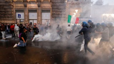 Photo of რომში ანტივაქსერების აქციის წინააღმდეგ პოლიციამ წყლის ჭავლი და ცრემლსადენი გაზი გამოიყენა